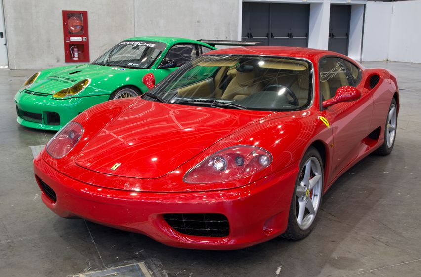 スーパーカー フェラーリの維持費を算出してみました!
